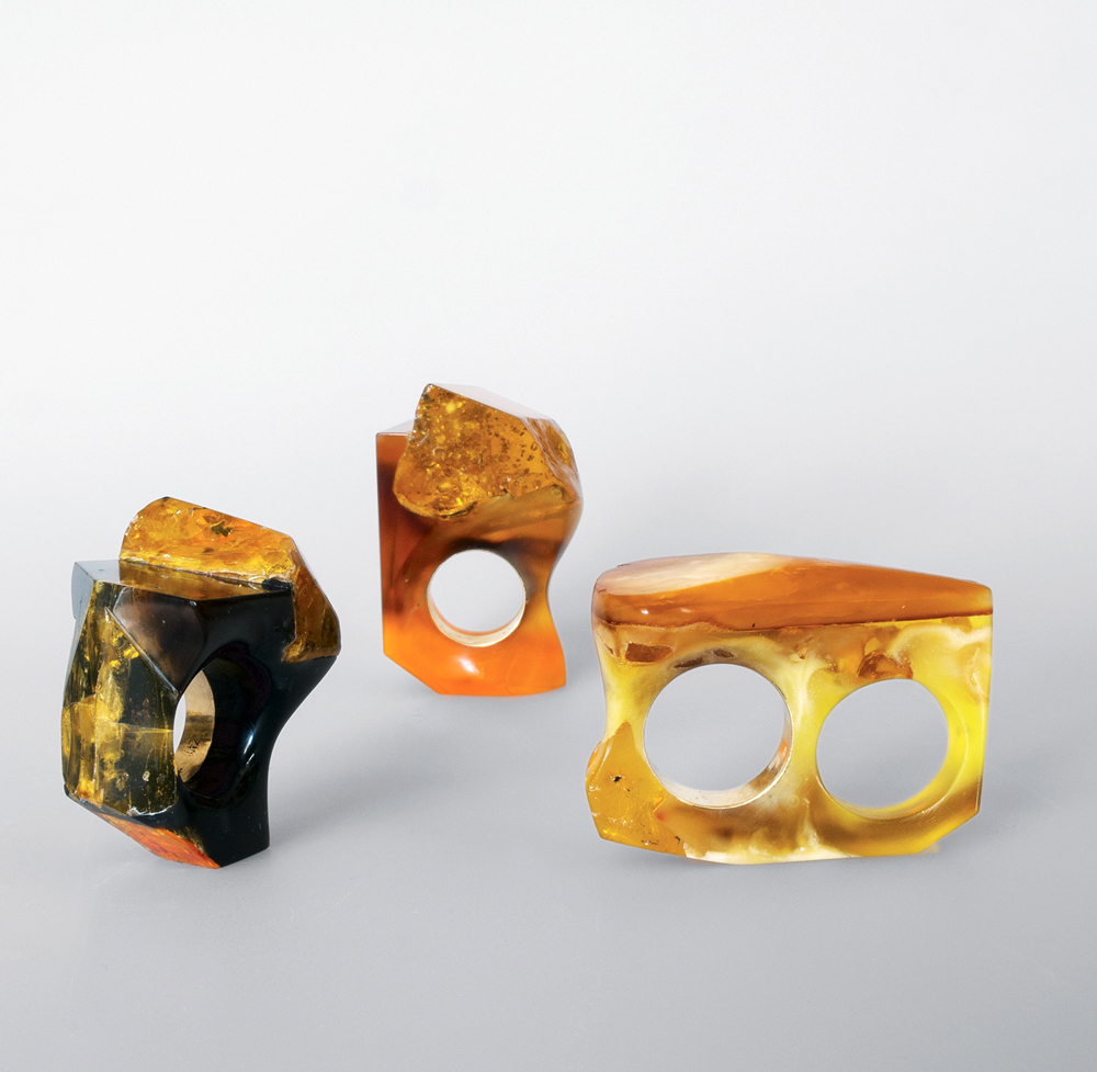 Petra Zimmermann, Untitled (Rings), 2014/2015, Amber, polymethylmethacrylate, gold