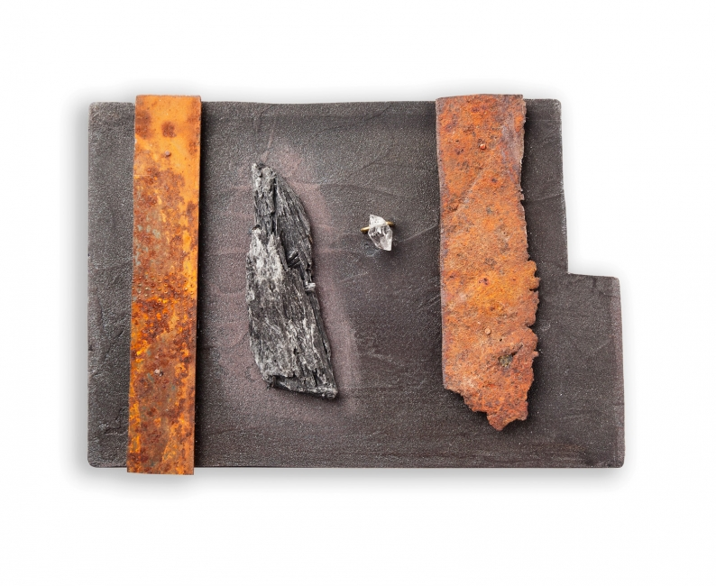 Judy McCaig, Scotland / Spain, No-Man's Land, Brooch, 2013, Steel, silver, tombac, perspex, paint, Herkimer diamond, tare, 8.8 x 12.6 x 1.5 cm, Photo: Eduard Bonnin
