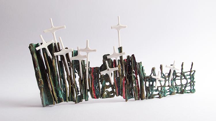 Mabel Pena, Argentina, El Cruce II, Brooch, 2013, Bronze, plastic, paper, sterling silver