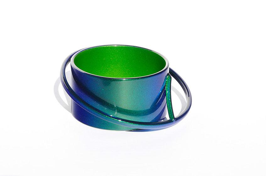 Rachelle Thiewes, United States, Heat, (bracelet), 2013, Steel, Auto paint